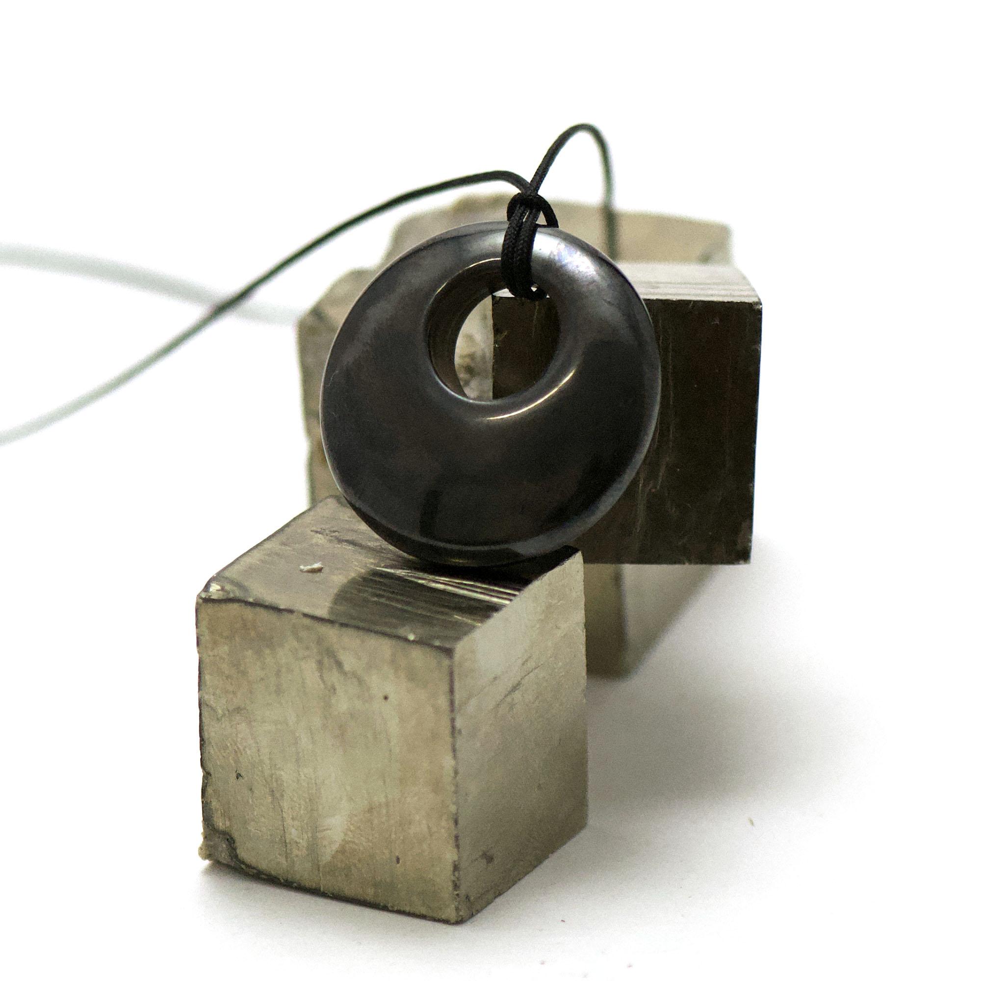 1 pendentif hématite donuts décentré 30 mm, pierre naturelle