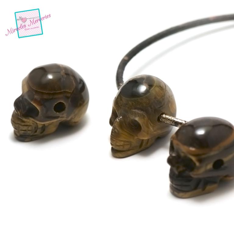 1 pendentif oeil du tigre tête de mort 30x25x19 mm ,pierre naturelle