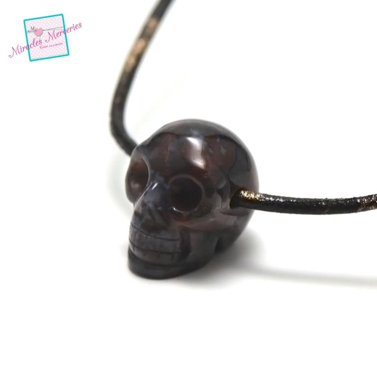 1 pendentif agate tête de mort 30x25x19 mm, pierre naturelle