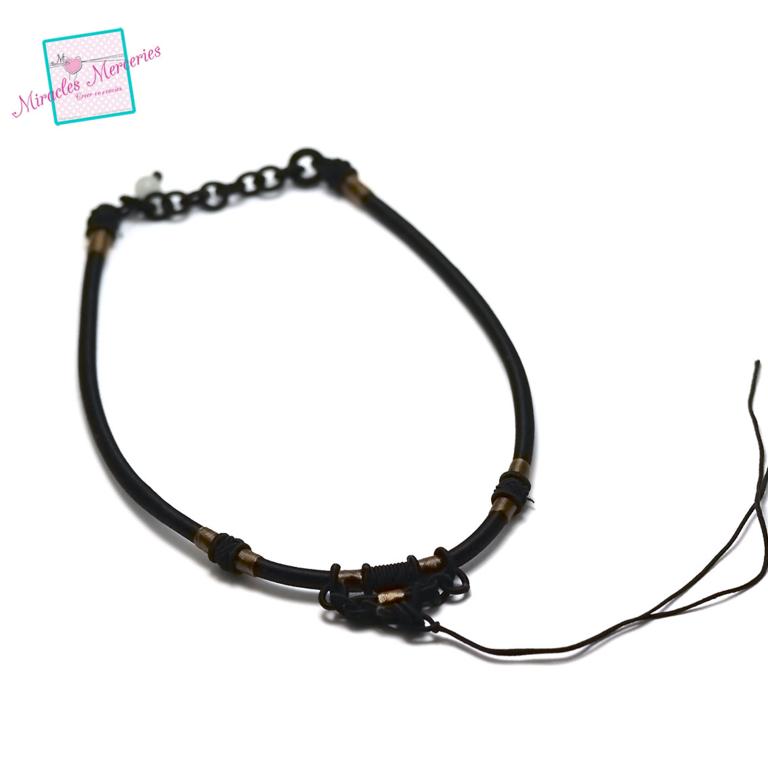 1 magnifique support collier créateur , noir
