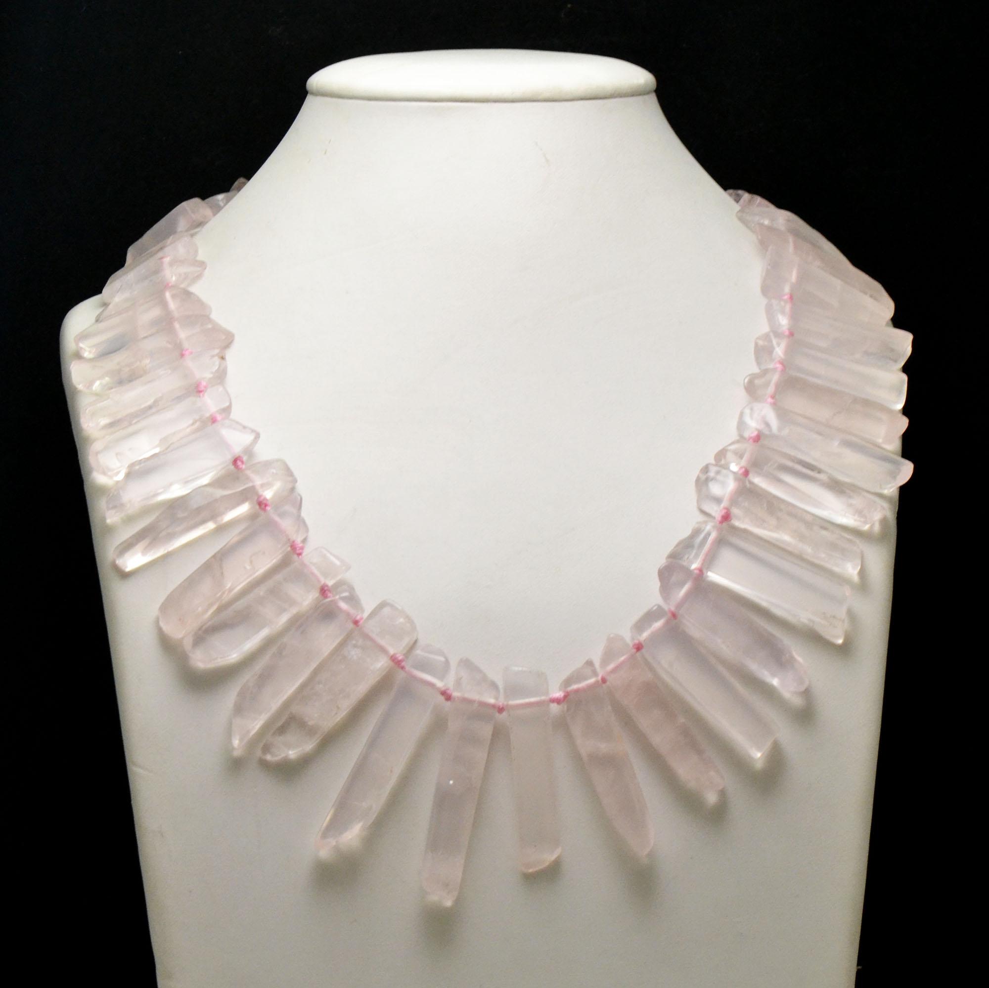 Collier quartz rose pointe baroque