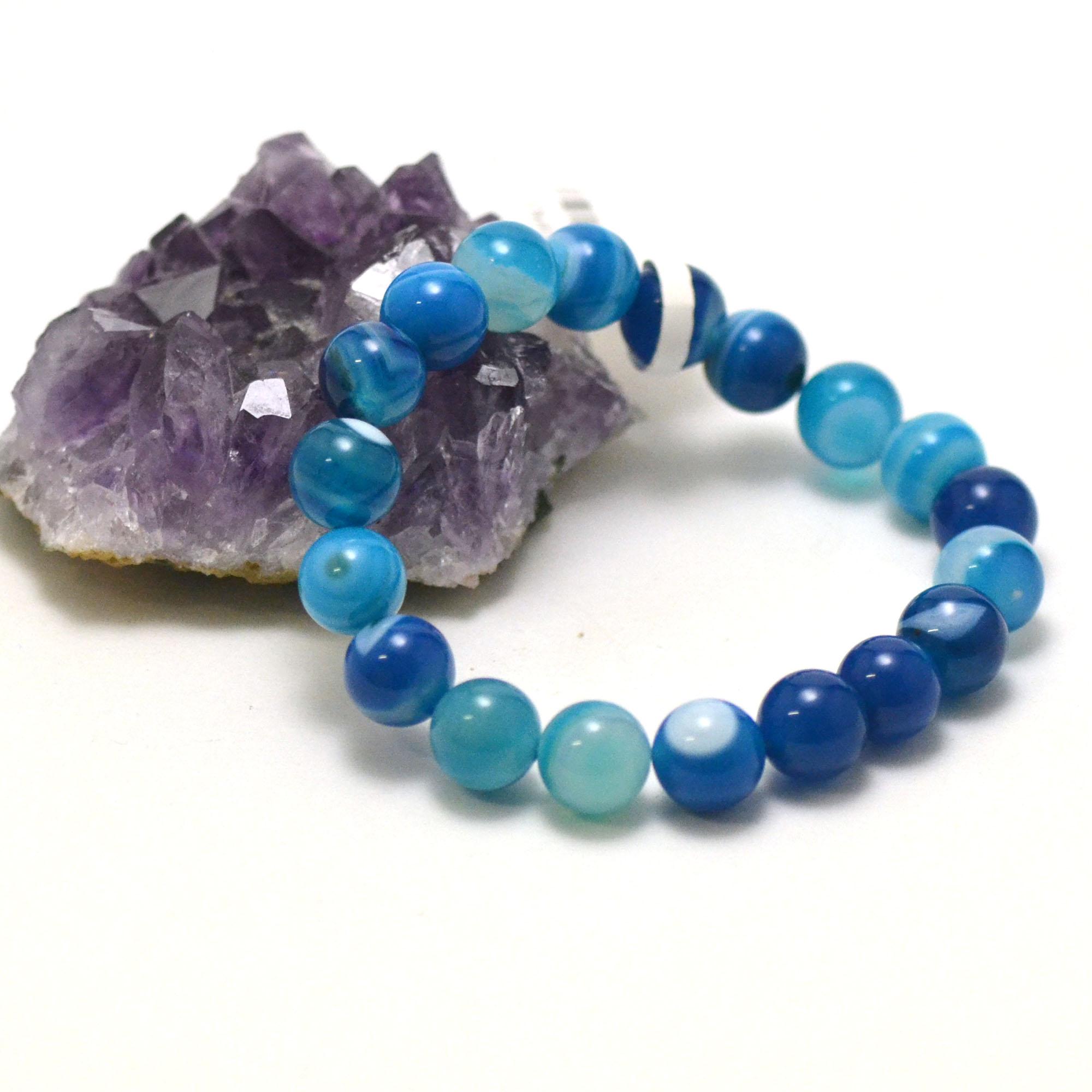 Bracelet agate teinté bleu, perle ronde 10 mm