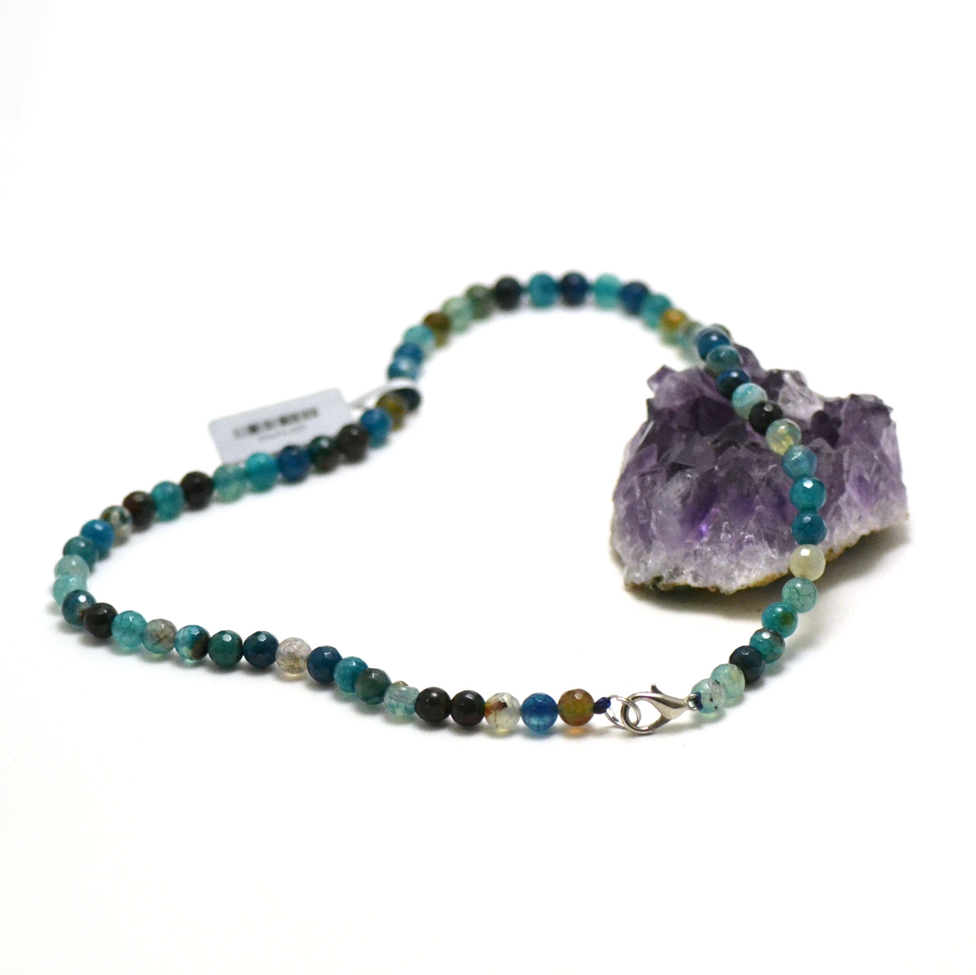 collier agate teinté bleu ronde 6 mm facettée