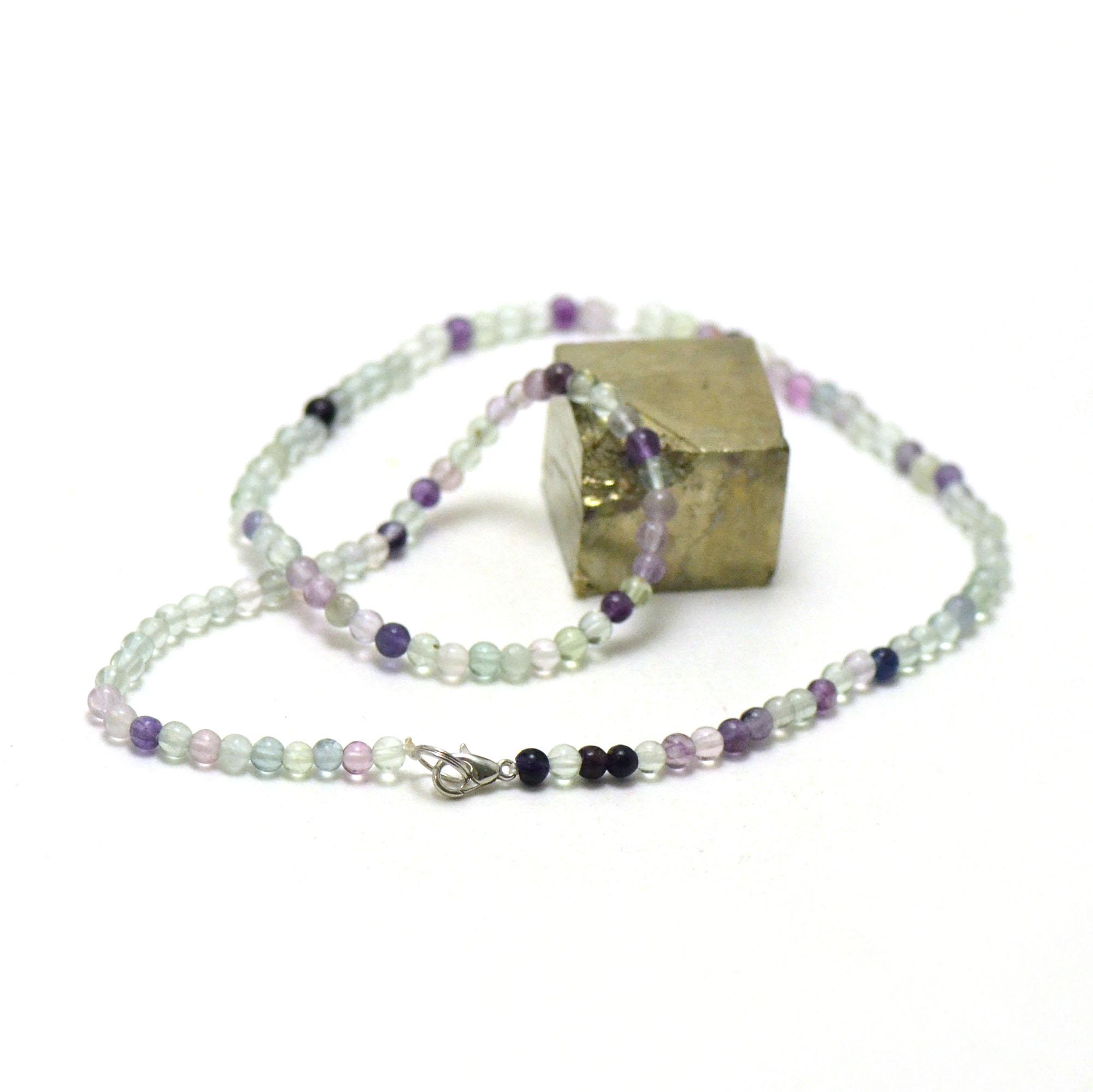 Collier fluorite, perle ronde 4 mm
