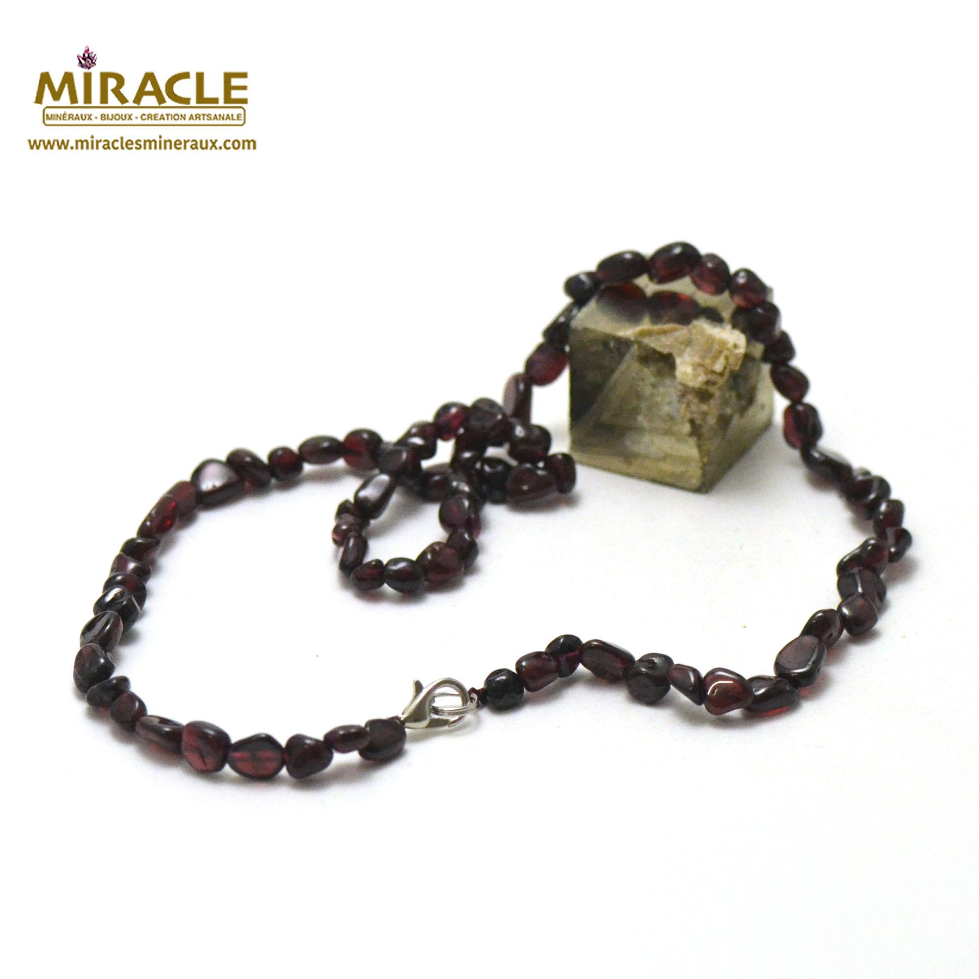 Collier grenat, perle pierre roulée