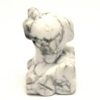 """statuette minéraux """" dauphin"""" en pierre naturelle de howlite"""