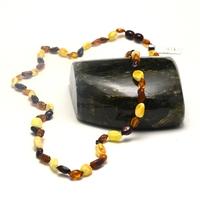 collier longue en ambre