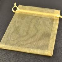 10 pochettes cadeaux taille moyenne en  organza, dorée uni