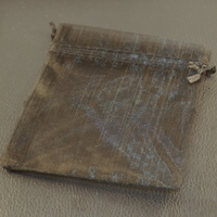 10 pochettes cadeaux taille moyenne en  organza, noir uni