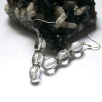 """Boucle d'oreille cristal de roche , """" triple galets , perle argenté"""""""