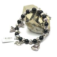 "bracelet onyx , création "" multi breloque """