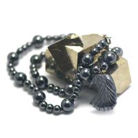 """collier pendentif  hématite, """" tête d'aigle"""""""