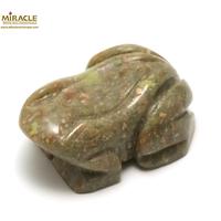 """statuette minéraux """"grenouille"""" en pierre naturelle d'unakite"""