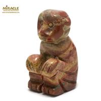 """statuette minéraux """"singe"""", pierre naturelle de jaspe"""