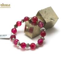 """Bracelet agate fuschia """"ronde 10 mm -perle argenté"""""""