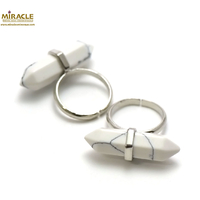 "Bague en pierre naturelle de howlite ""double pointe"""