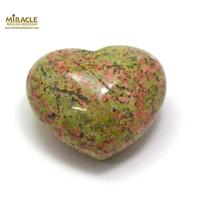 """Magnifique statuette """"coeur"""" en pierre naturelle d'unakite"""