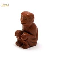 """Magnifique statuette """"singe"""" en pierre naturelle de pierre de soleil"""