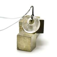"""pendentif/collier cristal de roche """"donut décentré 30 mm"""", pierre naturelle"""