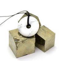 """pendentif/collier howlite """"donut 30 mm"""", pierre naturelle"""