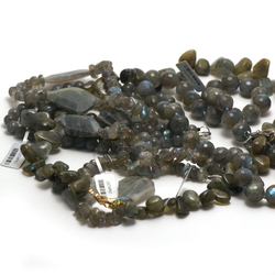 1 collier pierre naturelle de labradorite