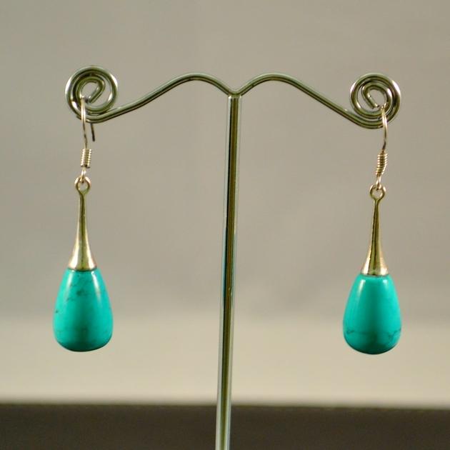 boucle d 39 oreille turquoise lustre goutte d 39 eau boucle d 39 oreille turquoise miraclesmineraux. Black Bedroom Furniture Sets. Home Design Ideas