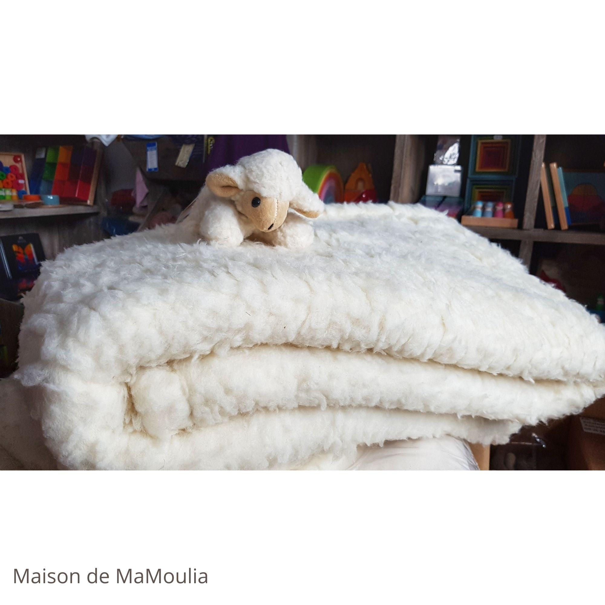 couverture-plaid-jette-du-lit-pure-laine-vierge-bio-saling-maison-de-mamoulia-poils-longs