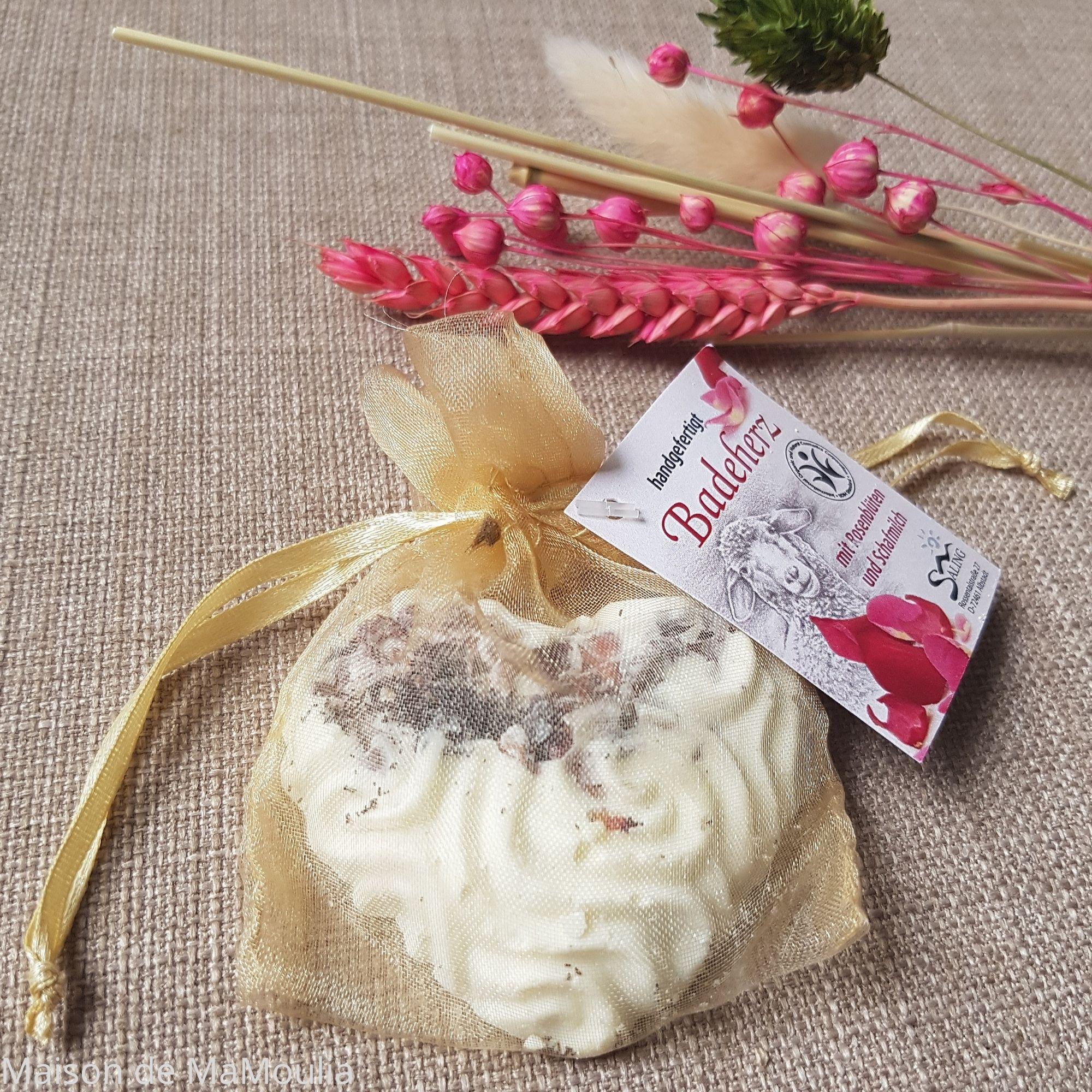 bombe-de-bain-coeur-saling-naturel-lait-de-brebis-maison-de-mamoulia-rose---