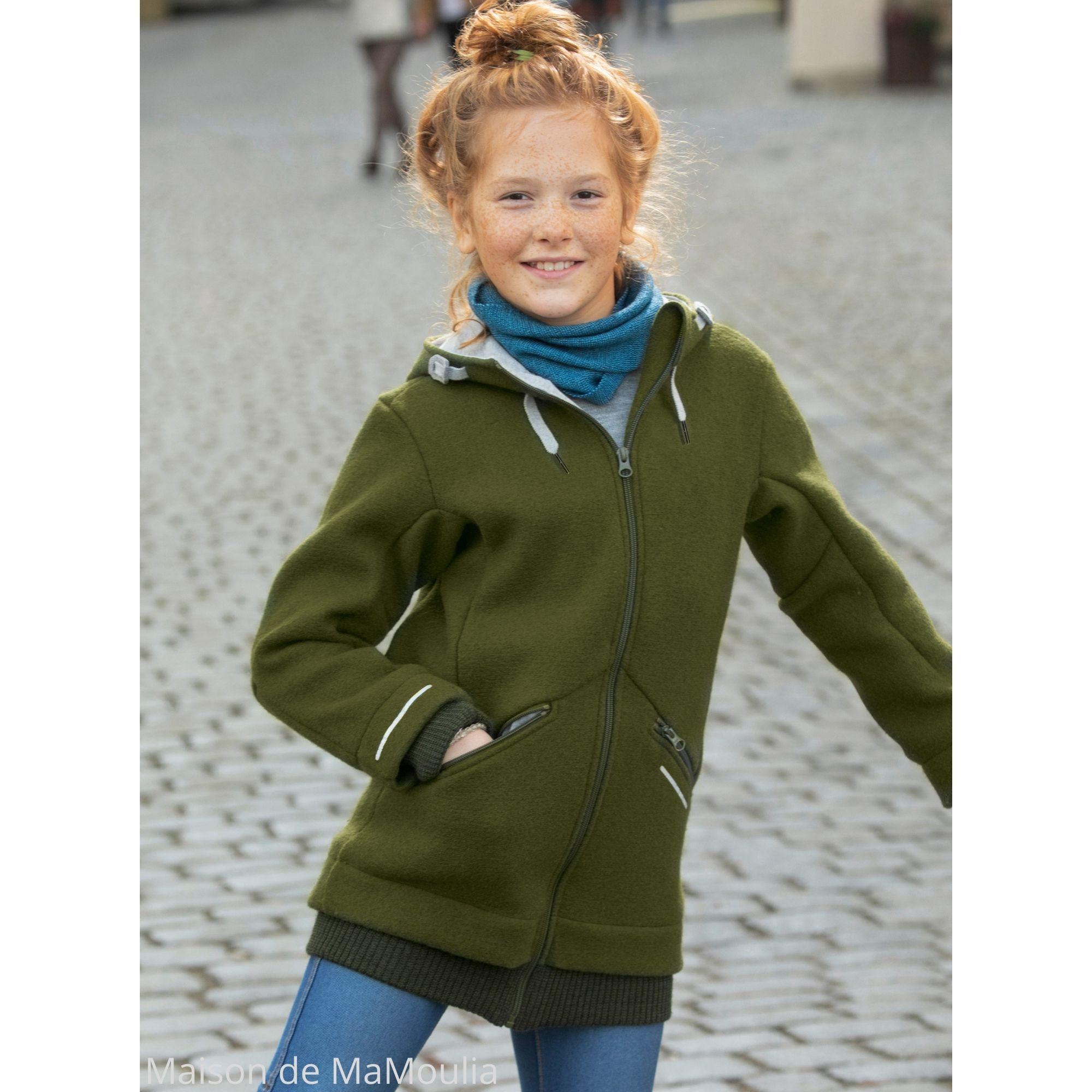veste-outdoor-kid-capuche-enfant-disana-laine-bouillie-maison-de-mamoulia-vert-olive-fille