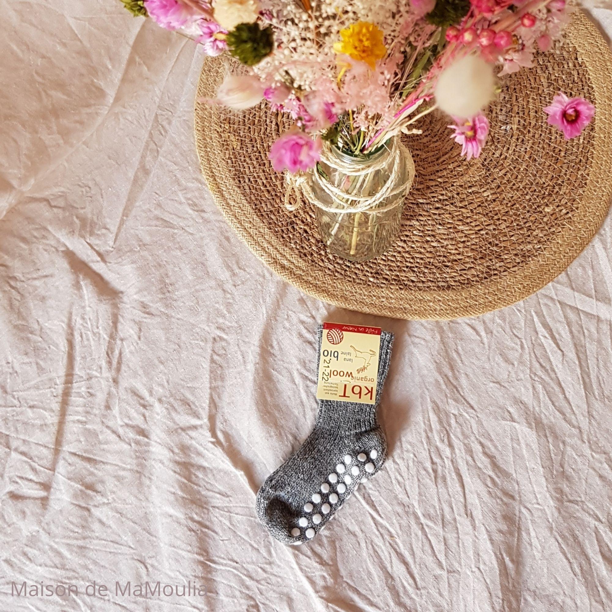 chaussettes-pure-laine-ecologique-hirsch-natur-bebe-enfant-maison-de-mamoulia-gris-antiderapantes