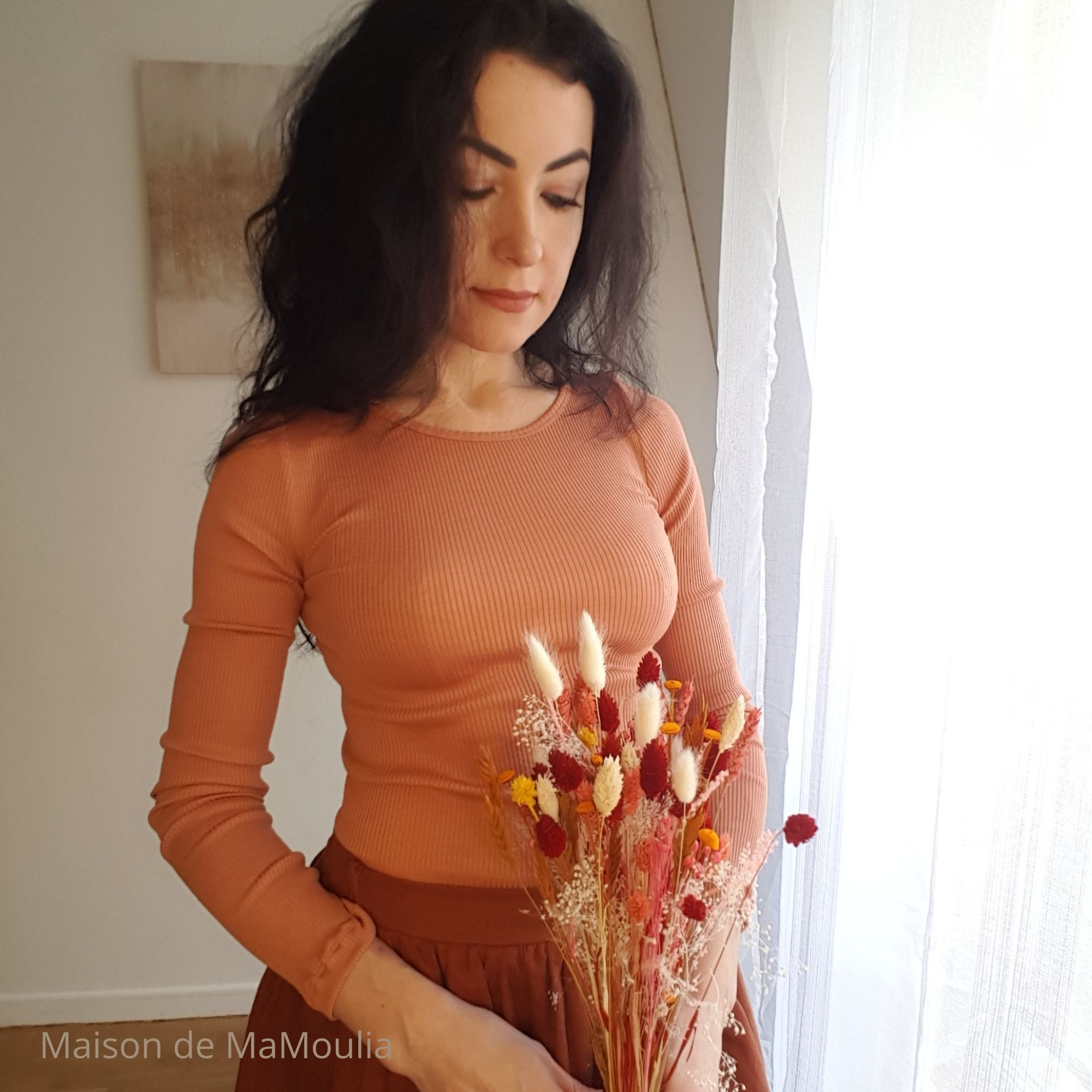 MINIMALISMA - Top pour femme - manches longues - Soie 70% / coton 30% - Gerda - Tan