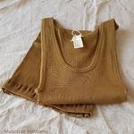Gudrun - Seaweed-tshirt-debardeur-femme-soie-coton-maison-de-mamoulia-vert-kaki-minimalisma