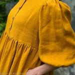 robe-midi-femme-manches-ballon-pur -lin-lave-français-offon-maison-de-mamoulia-jaune- moutarde