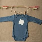 Nebel-minimalisma- Steel Blue -body-bebe-coton-bio-maison-de-mamoulia-bleu-ciel