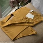 minimalisma-gerda -Golden Leaf- tshirt-top-femme-manches-longues-soie-coton-maison-de-mamoulia-jaune-moutarde