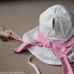 chapeau-de-soleil-bebe-enfant-ajustable-evolutif-manymonths-babyidea-coton-chanvre-maison-de-mamoulia-avec-noeud-blanc-rose-
