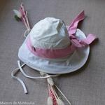 chapeau-de-soleil-bebe-enfant-ajustable-evolutif-manymonths-babyidea-coton-chanvre-maison-de-mamoulia-avec-noeud-blanc-rose