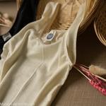 debardeur-thermoregulateur-cosilana-laine-soie-femme-maison-de-mamoulia-ecru-noir-bretelles-larges-