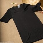 top-tshirt-thermoregulateur-cosilana-laine-soie-femme-maison-de-mamoulia-noir-manches-courtes-