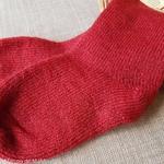 10-chaussettes-chaudes-pure-laine-bio-ecologique-hirsch-natur-bebe-enfant-maison-de-mamoulia-gris-tres-epaisses-rouge