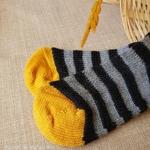 015-chaussettes-chaudes-pure-laine-bio-ecologique-hirsch-natur-bebe-enfant-maison-de-mamoulia-tres-epaisses-rayures-jaune-gris-noir