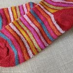 016E-chaussettes-pure-laine-bio-ecologique-hirsch-natur-maison-de-mamoulia-rayures-adulte-rouge-arcenciel-