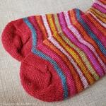 016E-chaussettes-pure-laine-bio-ecologique-hirsch-natur-maison-de-mamoulia-rayures-adulte-rouge-arcenciel
