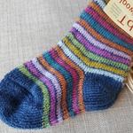 016K-chaussettes-pure-laine-bio-ecologique-hirsch-natur-maison-de-mamoulia-rayures-adulte-bleu-arcenciel