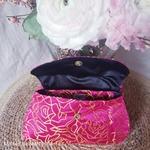 mam-ecofit-pochette-impermeable-pour-serviette-hygiénique-lavable-rose-scandinavian-roses-maison-de-mamoulia-ouvert