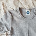 tshirt-thermoregulateur-cosilana-laine-soie-coton-bebe-enfant-maison-de-mamoulia-gris