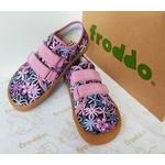 basket-barefoot-toile-flowers-froddo(1)
