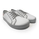 baskets ALL IN bicolore blanches et grises AM04 face sur la boutique Liberty Pieds