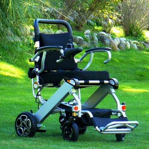 fauteuil roulant lectrique pliant ultra l ger mistral 7 scooters lectriques et fauteuils. Black Bedroom Furniture Sets. Home Design Ideas