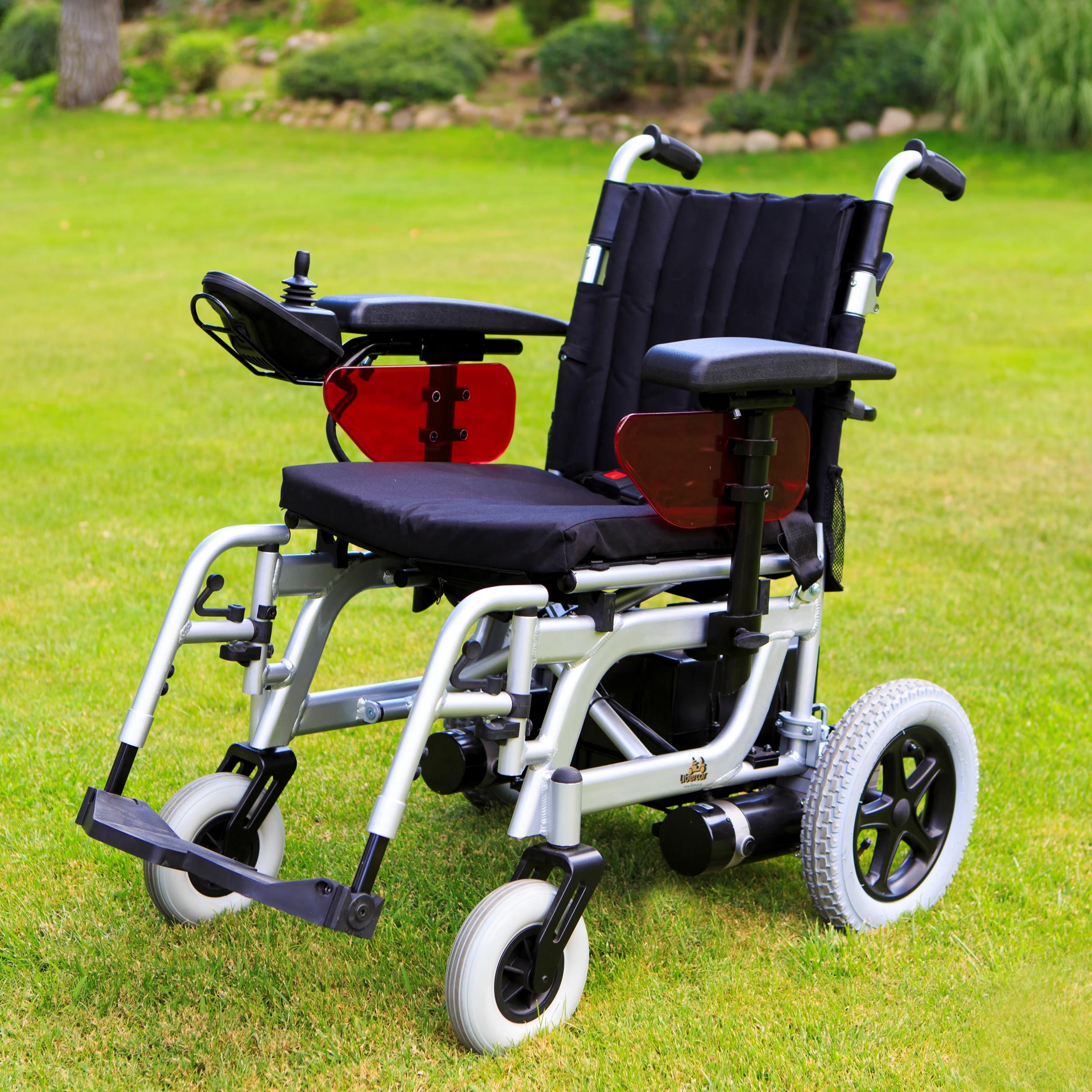 fauteuil roulant lectrique pliant emblema 2 scooters. Black Bedroom Furniture Sets. Home Design Ideas